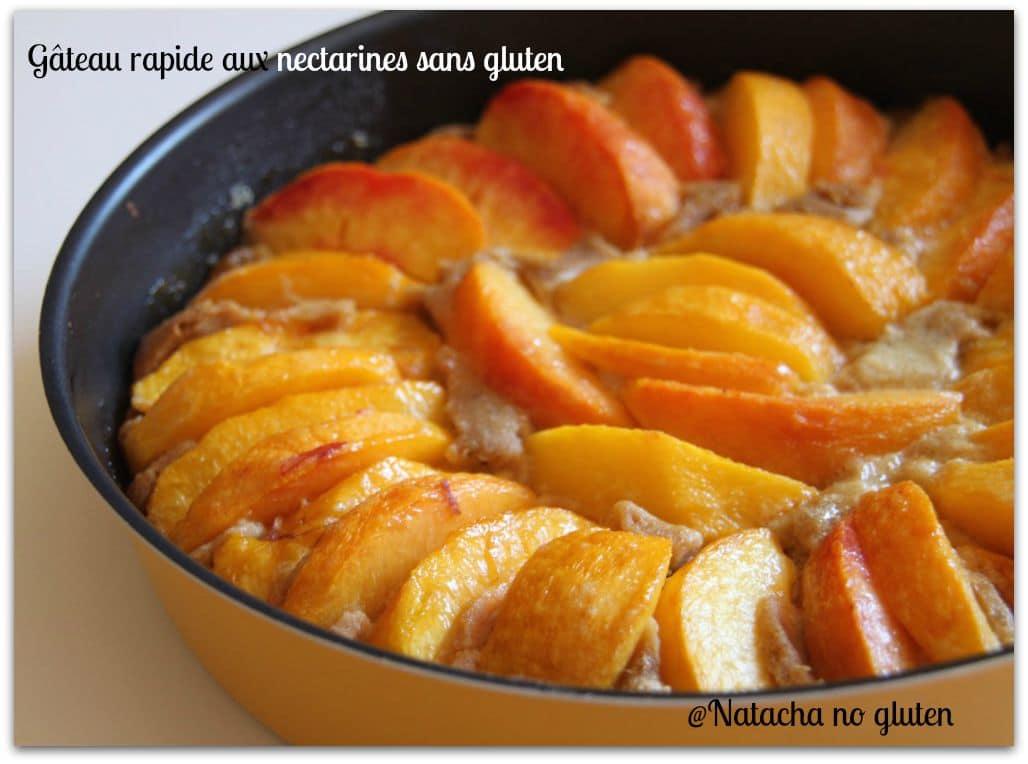 Gâteau rapide aux nectarines sans gluten